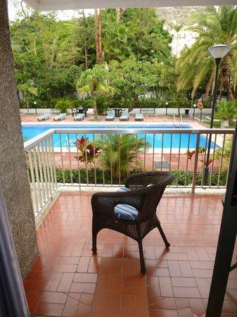 Hotel Colon Rambla: Ausblick zum Pool