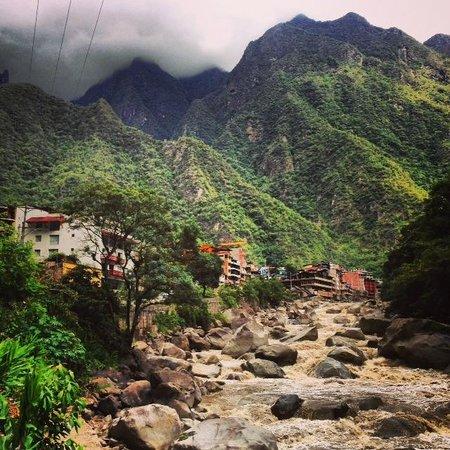 SUMAQ Machu Picchu Hotel: View from Sumaq Hotel of Machu Picchu Pueblo