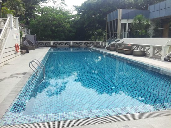 Hotel Fort Canning: Two swimming pools