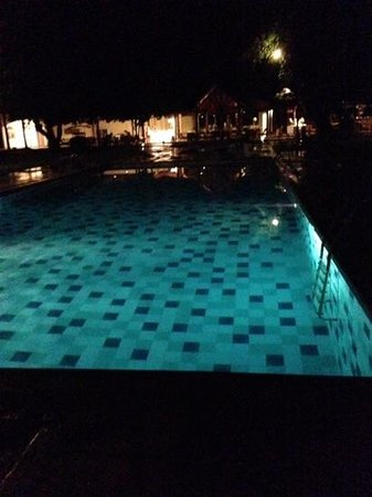 Hotel Sigiriya : evening pool