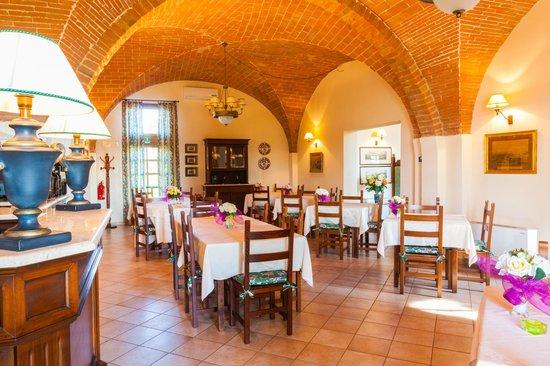 Agriturismo Santo Pietro : sala da pranzo