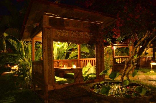 Pondok Sari Beach Bungalow Resort & Spa : Individuell gestaltet und sehr ruhig gelegen