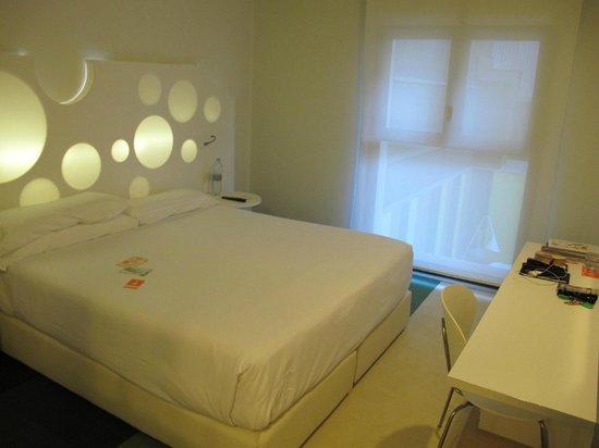 Room Mate Pau: Chambre 211 sur cour