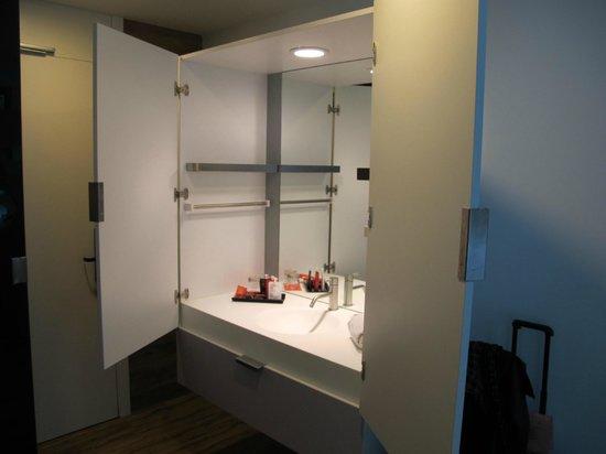 Room Mate Pau: Lavabo...