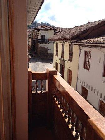 Hostal El Triunfo: vista do balcão do quarto da frente!