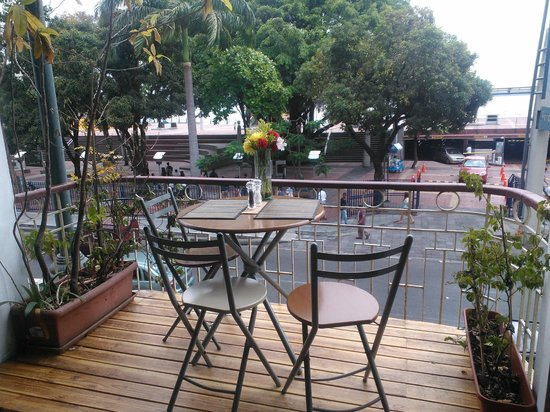 Manso Boutique Guesthouse: Balcony overlooking the Malecon