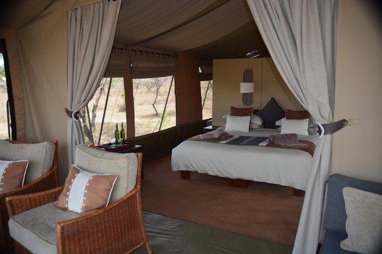 Naboisho Camp, Asilia Africa: My room