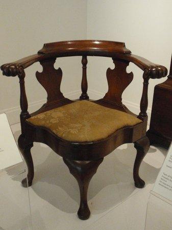 Biggs Museum of American Art: Corner Chai 1740s-1765 - Probably Delaware Walnut