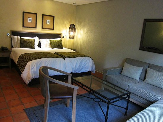 Protea Hotel by Marriott Kruger Gate: Our beautiful room!