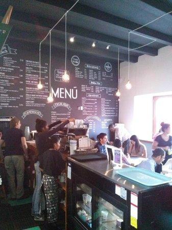 Breton: Pared pizarrón donde encuentras el menú