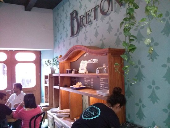 Breton: Interior