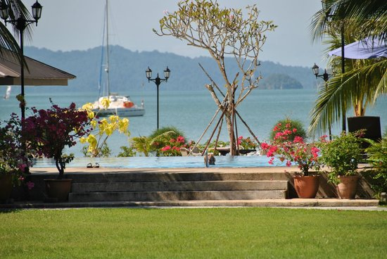Bella Vista Waterfront Resort & Spa Langkawi: Pool