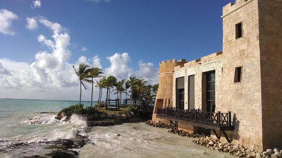 Sanctuary Cap Cana by Playa Hotels & Resorts: Fortress section of the resort