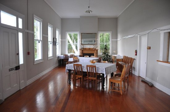 Commercial Hotel: Main building dining hall