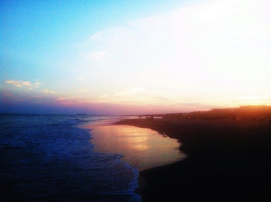Hampton Inn and Suites Charleston/Mt. Pleasant-Isle Of Palms : The Isle Of Palms beach 3 miles from hotel