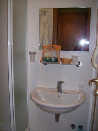 Lirico Hotel: Bagno