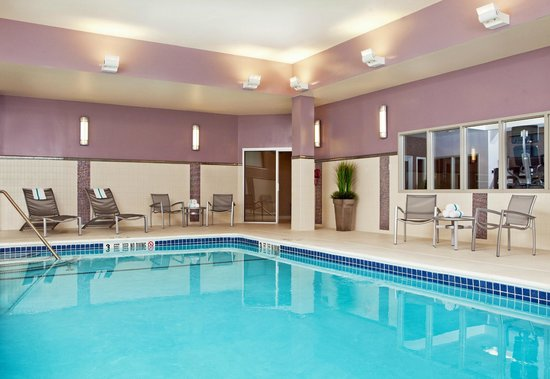 Courtyard Syracuse Downtown at Armory Square: Downtown Syracuse's only indoor pool!