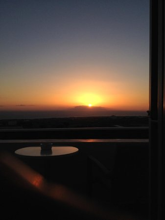 Astro Palace Hotel and Suites: Sunrise at 7am