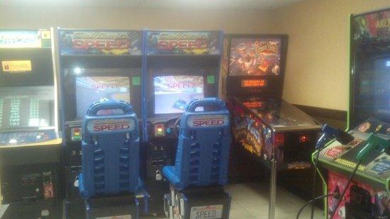 Baymont Inn & Suites Bartonsville Poconos : arcade
