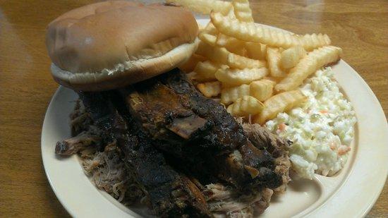 Mike & Jeff's BBQ: Ribs & chopped pork plate