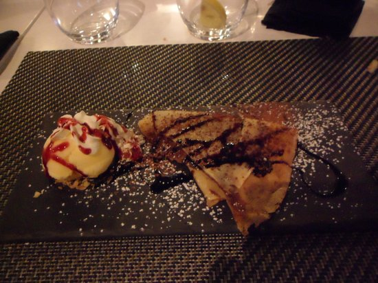 Sushilounge: Crepe with nutella and ice cream.