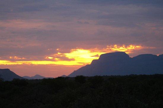 The Vuyani Safari Lodge: Sundowners