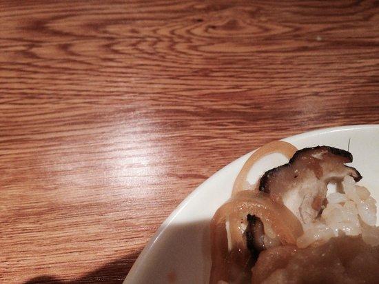 Cafe Japan : Hair in food
