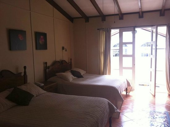 Hotel Ave del Paraiso: One of the rooms