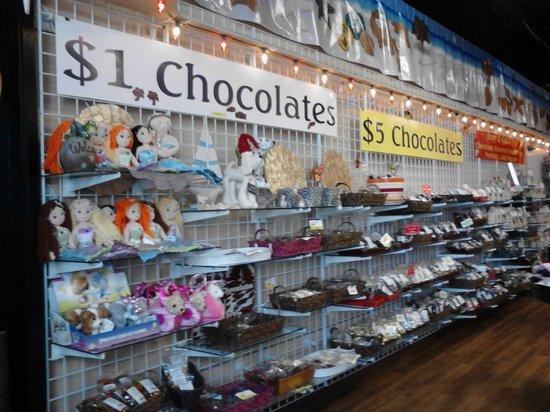 Wyndham Ocean Walk: Chocolate Factory Area Activity