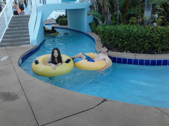 Wyndham Ocean Walk: Lazy River & my teens