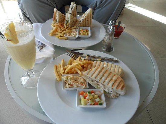 Ambre Resort & Spa: SANDWICH AND PINACOLADA AT THE BAR