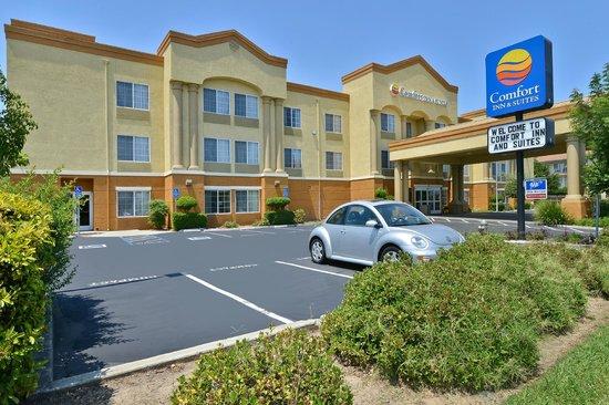 Comfort Inn & Suites Sacramento University Area: Exterior South