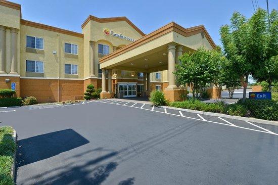 Comfort Inn & Suites Sacramento University Area: Exterior