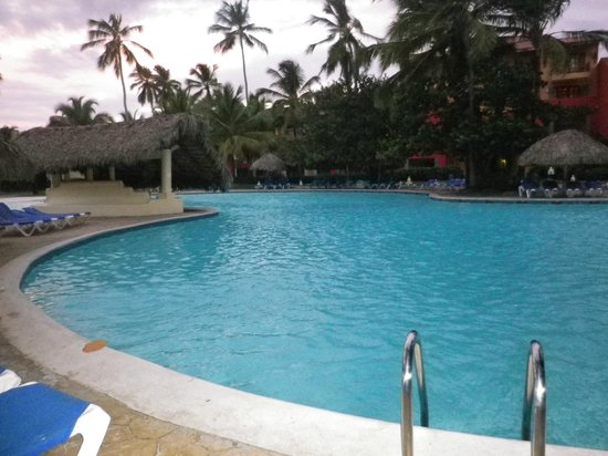Piscine picture of caribe club princess beach resort for Club piscine granby