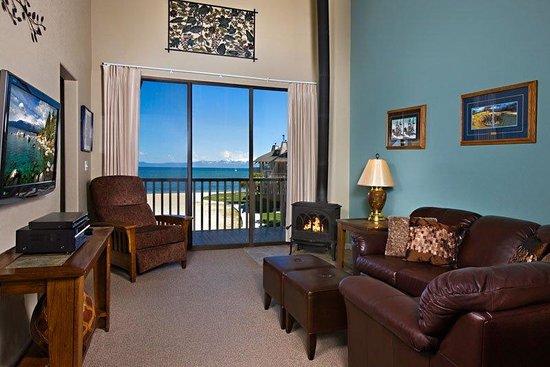 Tahoe Lakeshore Lodge and Spa: Condolivingroomsm