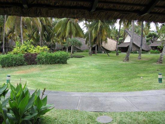 La Pirogue Resort & Spa-Mauritius: Vistas desde la cabaña