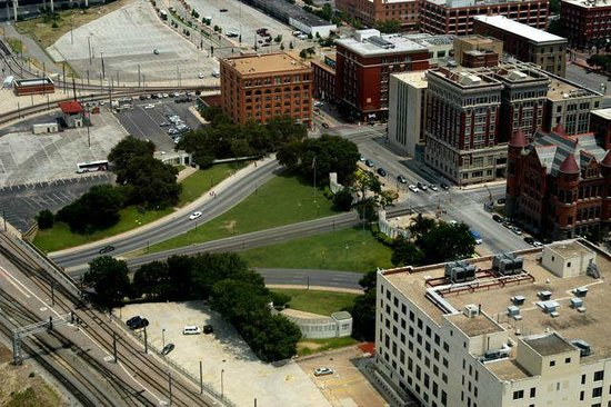 Dealey Plaza National Historic Landmark District : Plaza from the air