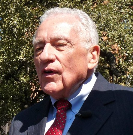 Dealey Plaza National Historic Landmark District : SS Agent Clint Hill returns to Dealey Plaza