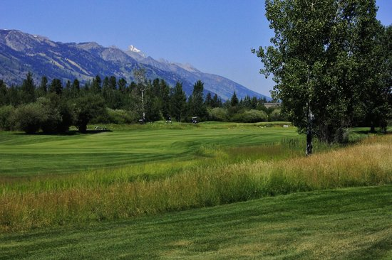 Teton Pines Country Club: Spring on the range