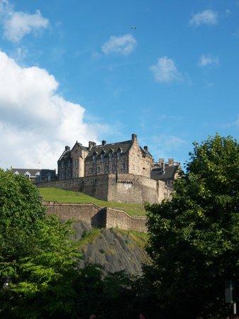 Jardines de la Calle de los Príncipes: Castle view