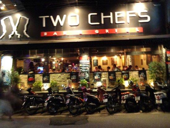 Two Chefs Kata Beach: вид с улицы