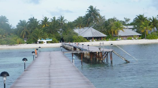 Fun Island Resort : Pier from Taxi to Hotel