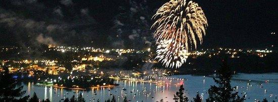 Sleeps Cabins : Sandpoint fireworks