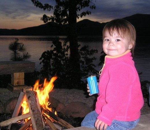 Sleeps Cabins : smores anyone?