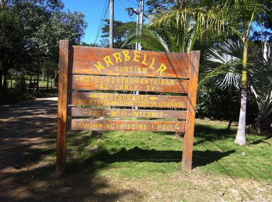 Marbella Surf Inn : Road to the beach