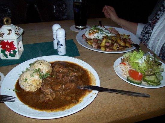 Altes Bräuhaus: A most delicious goulash