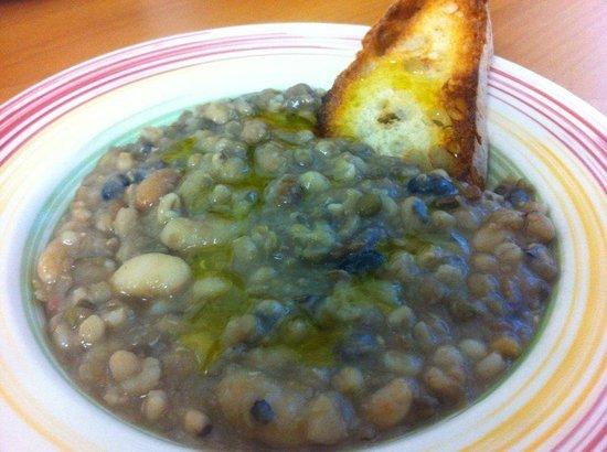 Osteria La Giara: Zuppa di legumi