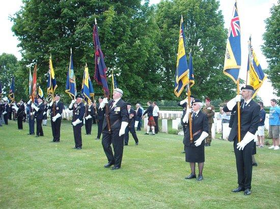Cimetière Militaire Britannique : Parade of Standards 2