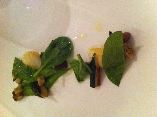 Restaurant Kuppelrain: uova di quaglia, crema di basilico e verdure