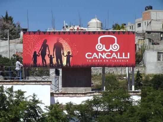 Hotel Cancalli Business and Suites: Panoramico de Hotel, visto desde afuera